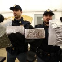 Milano, hashish 'Macron' ordinato in chat: i pusher incastrati dalle mamme
