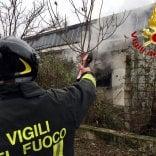 Baranzate, cadavere carbonizzato  nel capannone abbandonato andato in fiamme    foto