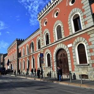 Milano, in carcere per una rapina: ventenne si suicida a San Vittore