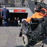 Disabili a Milano, scuole e case popolari da bollino rosso: 15 milioni per