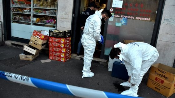 Milano, donna accoltellata a morte in un minimarket asiatico