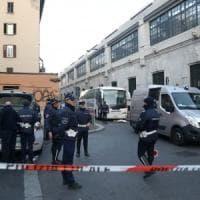 Milano, investito e ucciso da un pullman per l'aeroporto accanto alla stazione