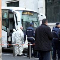 Milano, travolto e ucciso accanto alla stazione dal pullman per l'aeroporto