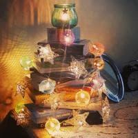 Un Natale fatto di libri, dall'albero al presepe: la campagna social