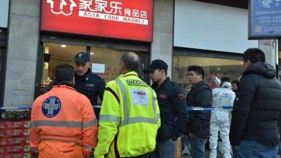 """Milano, uccisa a coltellate nel minimarket cinese: arrestato il dipendente. """"Ho reagito ai continui rimproveri"""""""