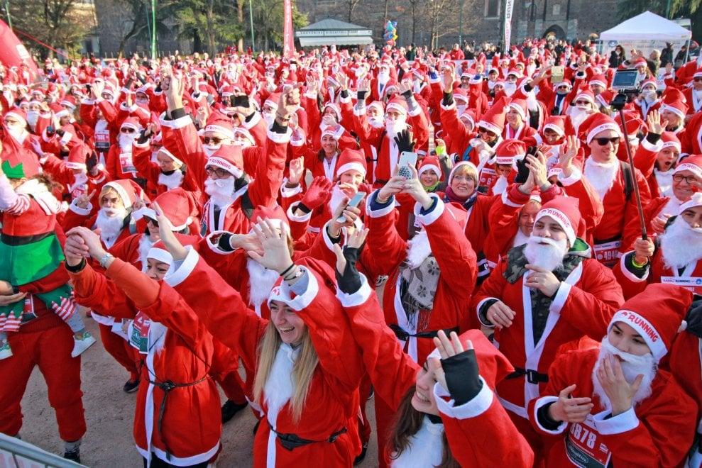 A Milano la Babbo running, la marcia più allegra del Natale