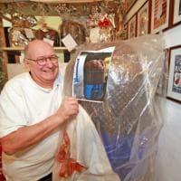 Il panettone da Guinness alto due metri: verrà tagliato oggi in Galleria