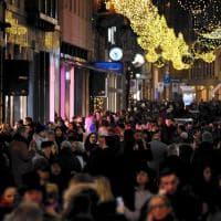 Da via Torino a corso Buenos Aires: la corsa ai regali di Natale