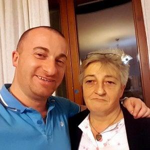 """Omicidio La Rosa a Milano, il gip: """"Madre e figlio possono uccidere ancora"""""""