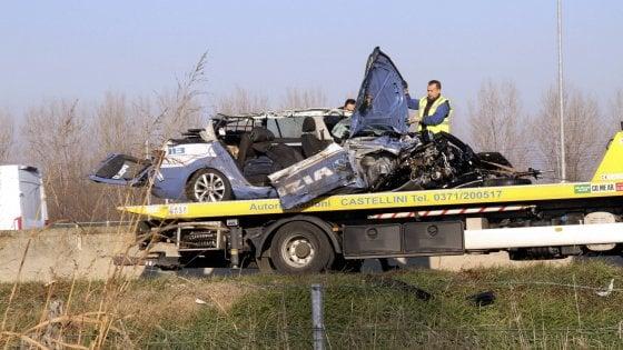 Scontro sull'A1, camion contro pattuglia della stradale: morto un agente nel Lodigiano