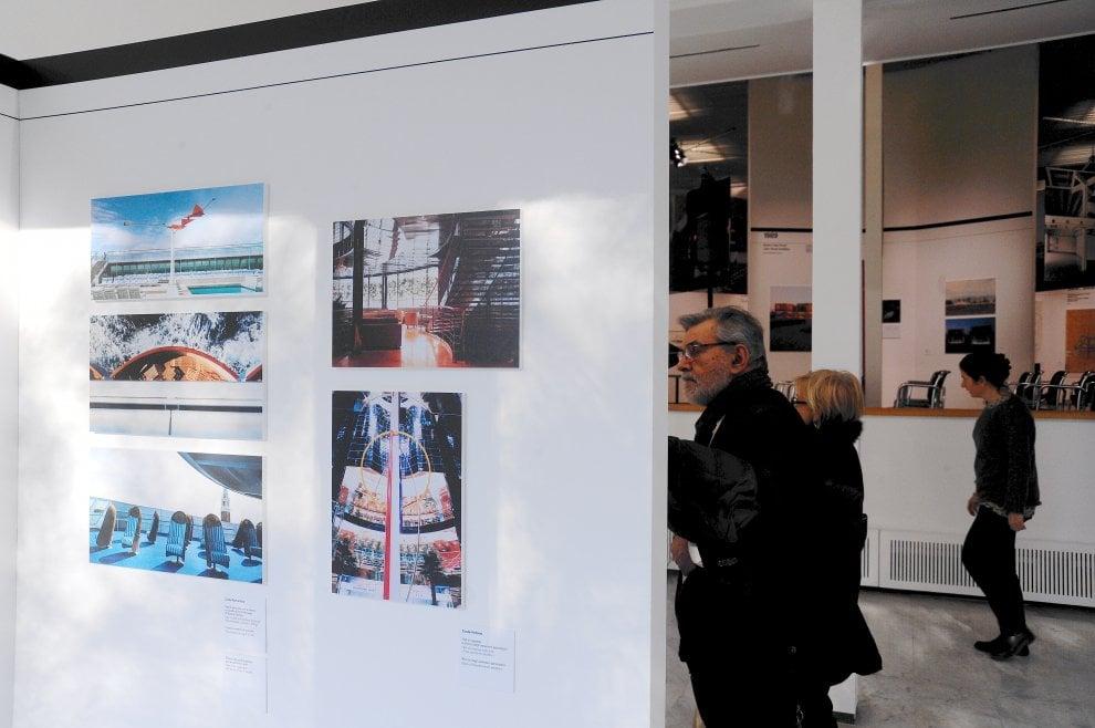Milano celebra l'architetto Gregotti: la sua carriera attraverso disegni, modelli e foto