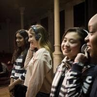 Milano, il mondo in una scuola: canzone e spot per celebrare la multiculturalità