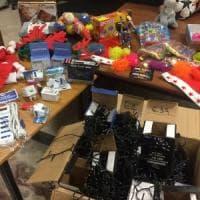 Milano, luci di Natale e giocattoli taroccati: sequestrati 333mila articoli pericolosi
