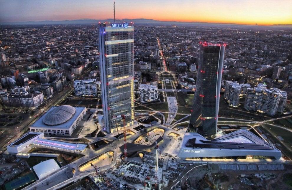 Gli scatti aerei del fotografo catturano la 39 grande for Prezzi city life milano