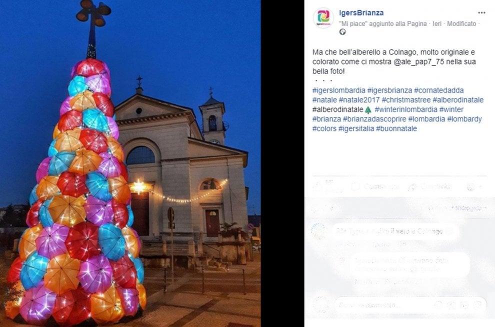 Brianza, l'albero di Natale con gli ombrelli illuminati spopola sui social