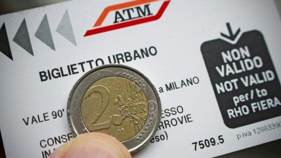 Metrò Milano, nel 2019 ticket Atm a 2 euro: via al reset per la carta di credito ai tornelli