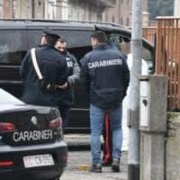 Il giallo dell'imprenditore trovato morto in auto nel Milanese, a setaccio la zona: si cerca il coltello