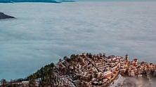 Varese, il Sacro Monte  con la testa tra le nuvole