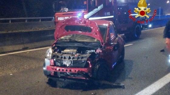 Brianza, perde il controllo dell'auto e si schianta: morta una ragazza di 18 anni
