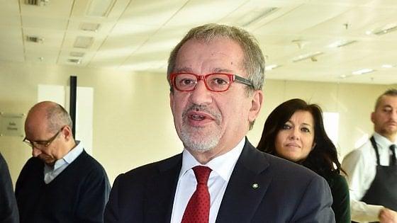 Lombardia, verso la rinuncia di Maroni alle Regionali: il centrodestra diviso sul nuovo candidato