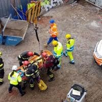 Infortuni sul lavoro, operaio precipita da 4 metri a Ripa di Porta Ticinese: è grave