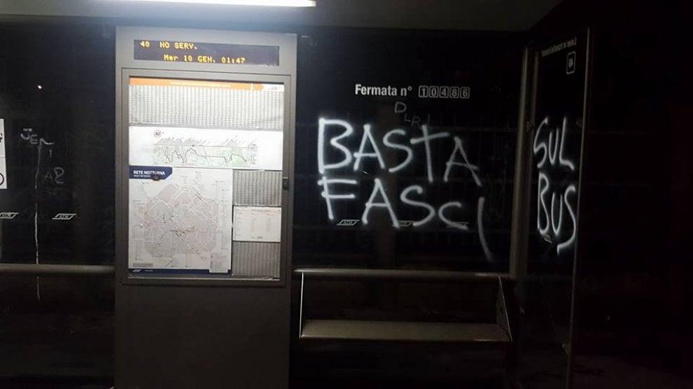 Scuole, negozi e pensiline imbrattate a Quarto Oggiaro: il blitz a firma anarchici