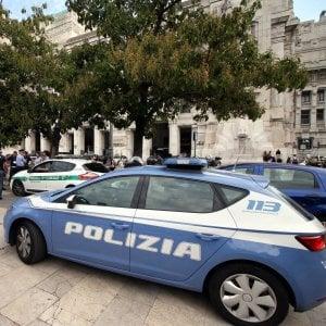 Spacciano carta al posto della cocaina, indagati a Milano: i finti acquirenti erano poliziotti