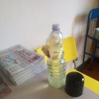 Milano, bottiglia incendiaria davanti a un circolo Pd. I dem: