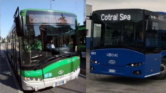 Le aziende di trasporti di Roma e Milano fanno autoironia a colpi di Tweet su reclami e soppressioni