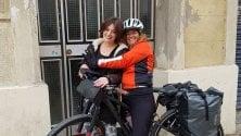 I diari dalla bicicletta  di mamma Rosalia: mille  km per raggiungere  la figlia a Barcellona