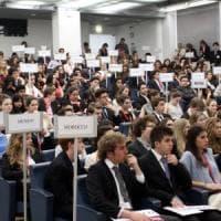 Milano, niente tesi ed esami nelle feste di tutte le religioni: l'annuncio della Bocconi