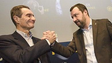 """Fontana insiste con la razza bianca  """"Anche la Carta ne parla"""". Salvini  lo difende: """"Passo indietro? Figurarsi"""""""