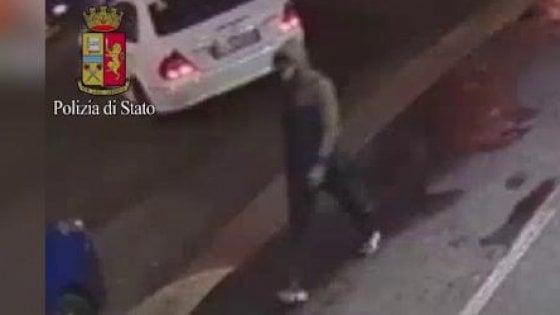 """Omicidio al parco Villa Litta, il video del killer. L'appello della polizia: """"Se lo riconoscete, telefonateci"""""""