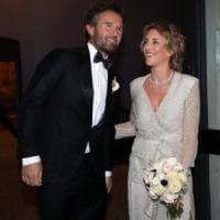 Carlo Cracco e Rosa Fanti sposi a Milano: festa con duecento invitati per lo chef stellato