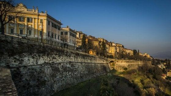 Bergamo, protesta contro il maxiparcheggio all'interno delle mura  patrimonio Unesco