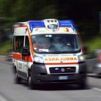 Incidente fra tre auto in galleria nel Bresciano, sette feriti: tre sono