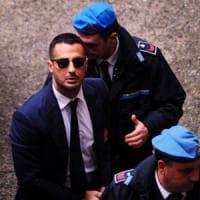 Milano, la procura chiede la confisca della casa di Fabrizio Corona