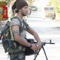 A Como arrestati per terrorismo padre e figlio. Il ragazzo è ancora in Siria