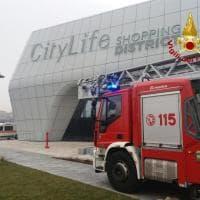 Milano, prende fuoco una centralina a CityLife: emergenza rientrata