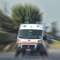 Camion travolge pedoni nel Varesotto, un morto e un ferito grave