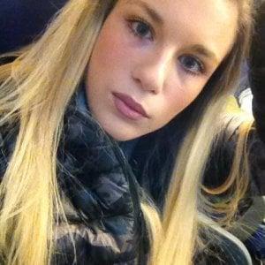 Ragazza di 20 anni uccisa in casa a milano al vaglio la - Camera ragazza 20 anni ...