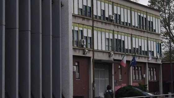 """Rivolta al carcere minorile Beccaria, agente ferito: """"Situazione fuori controllo"""""""