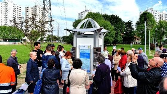 Effervescente, naturale, gratis: le case dell'acqua conquistano Milano