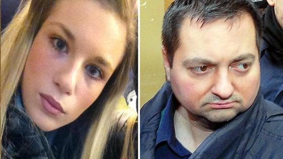 """Diciannovenne uccisa a Milano, l'ultimo biglietto che le scrisse il tranviere assassino: """"Sei nel mio cuore"""""""