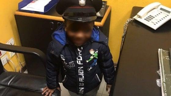 Da solo in metrò da Romolo a Cadorna: a 4 anni si perde a Milano, ritrovato dai carabinieri