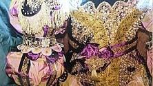 Sete, broccati e velluti:  il Carnevale di Venezia  arriva in mostra a Milano