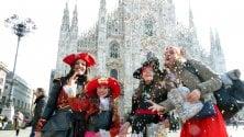 Show dei clown e bimbi mascherati: esplode il Carnevale in Duomo