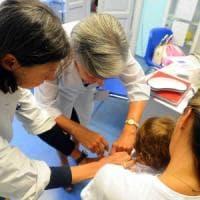 Vaccini, in Lombardia 153mila bambini e ragazzi a rischio sanzione