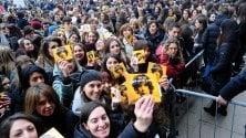 Assalto di fan per Ermal Meta dopo la vittoria al Festival di Sanremo