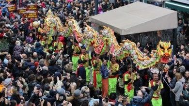 RepTv  Festa di Capodanno a Chinatown  tra lanterne, draghi e sete colorate   · foto
